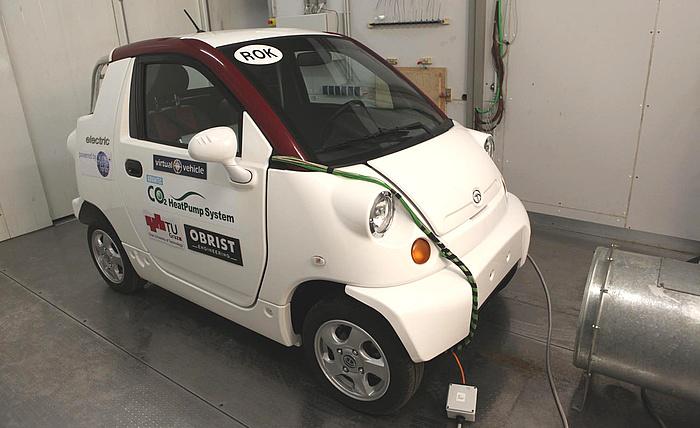 E-Fahrzeug in einer Klimakammer der TU Graz.