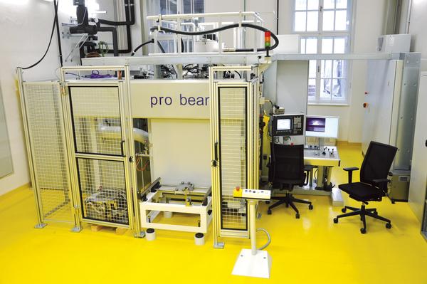 Foto der Elektronenschweißanlage am IWS der TU Graz.
