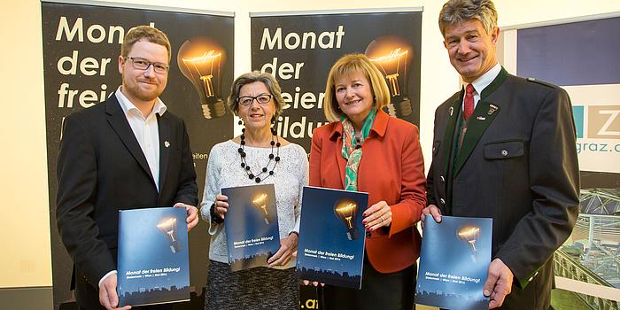 Sascha Rossmann, Rektorin Elisabeth Freismuth, Rektorin Christa Neuper und Rektor Harald Kainz.