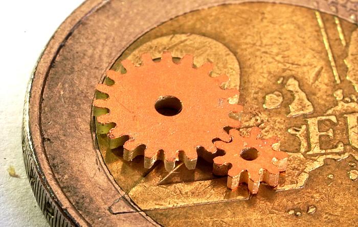 Das Robotergetriebe liegt auf einer Zwei-Euro-Münze.