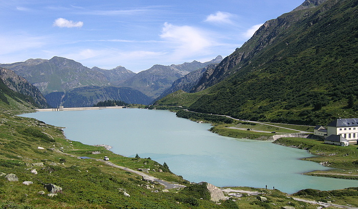 Picture of Lake Vermunt in Montafon in Vorarlberg with the Obervermuntwerk 1 hydroelectric power station