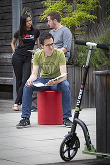 Drei Studierende am Campus Neue Technik