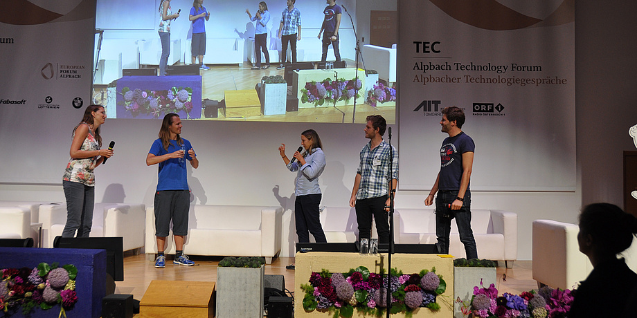 The AVL team presenting their solution at the TU Austria Innovation Marathon 2016.