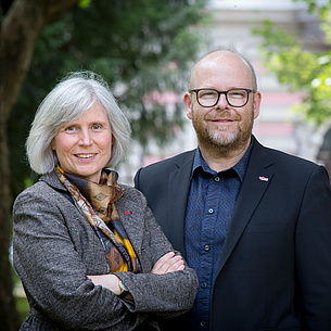 Adjunct Professor Dr. Ursula Diefenbach, Head of the Research and Technolgoy House of TU Graz and Deputy Head Dipl.-Ing. Christoph Adametz. Photo source: Lunghammer - TU Graz
