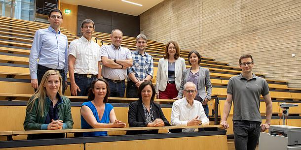 Das Projektteam Digitalisierung in einem Hörsaal.
