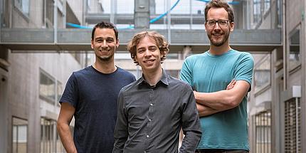Drei Forscher der TU Graz im Freien