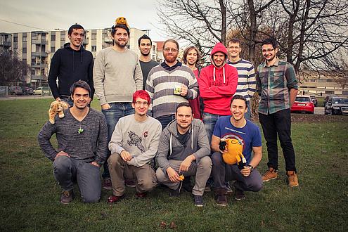 Gruppe Studierender im Freien