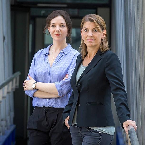 Zwei Frauen. Bildquelle: Lunghammer – TU Graz