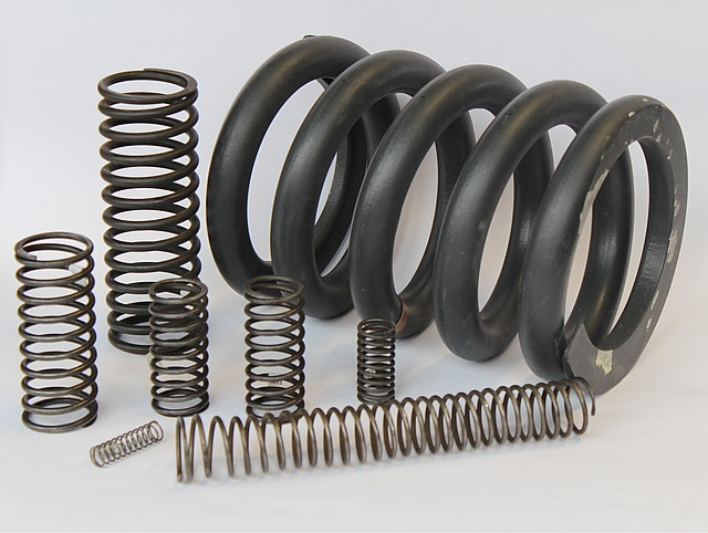 Picture of compression springs in different sizes