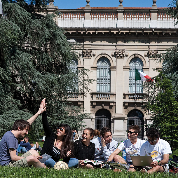 Students in front of a building of Politecnico di Milano. Source: Politecnico di Milano