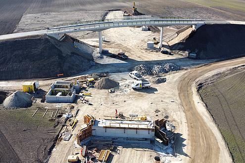 Luftaufnahme einer Baustelle