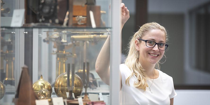 Birgitta Schultze-Bernhardt im Physik-Museum.