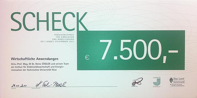 Forschungspreis: Scheck über 7500€