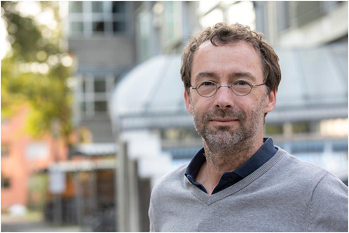 Porträt eines männlichen Forschers