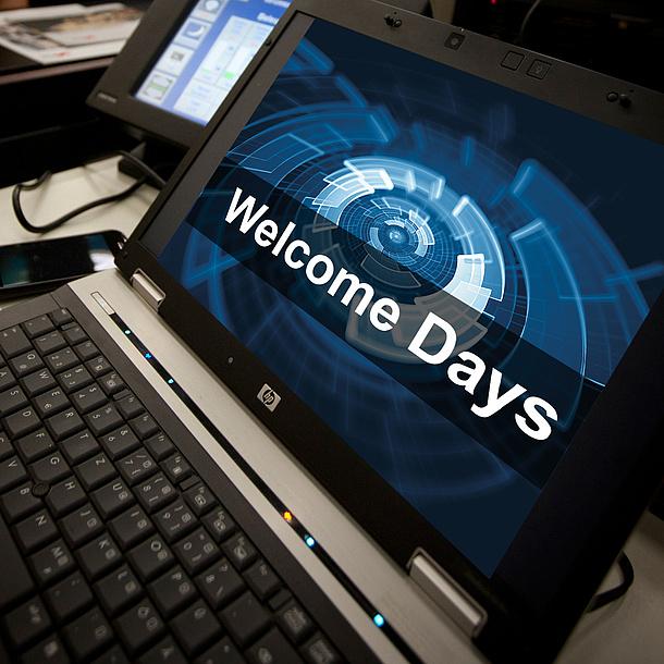 """Laptop, der die Internetseite zu den """"Welcome Days"""" der TU Graz zeigt. Bildquelle: Lunghammer - TU Graz"""