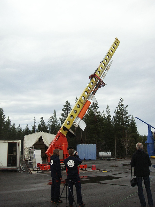 O-States payload on top of a two-stage rocket on the launcher being elevated at ESRANGE, Sweden (October 2015)