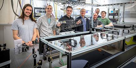 """Experimentalphysiker im Femtoskunden-Laser Labor"""" am Institut für Experimentalphysik"""