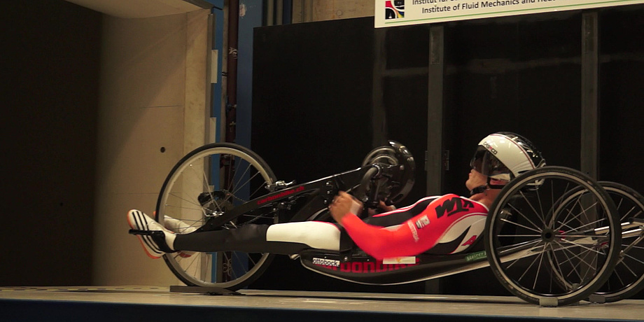 The Austrian handcyclist Thomas Frühwirth in the wind tunnel of TU Graz.