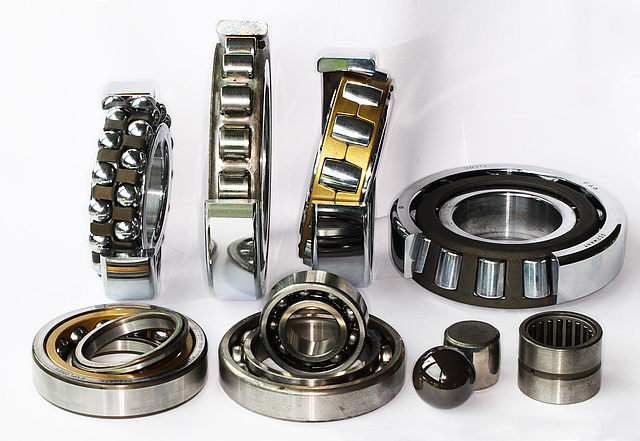 Collection different Roller Bearings