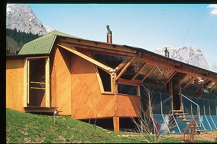"An older picture of the ""Haus Fischer"", the first austrian solar house at the Grundlsee."