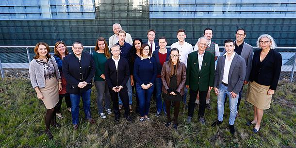 Absolventinnen und Absolventen des Universitätskurses Lebensmittelchemie und -technologie, Bildquelle: Nestroy - TU Graz