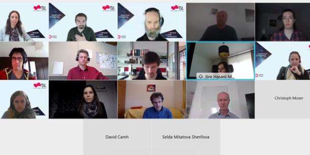 Screenshot einer Videokonferenz mit den Gesichtern aller Teilnehmenden.