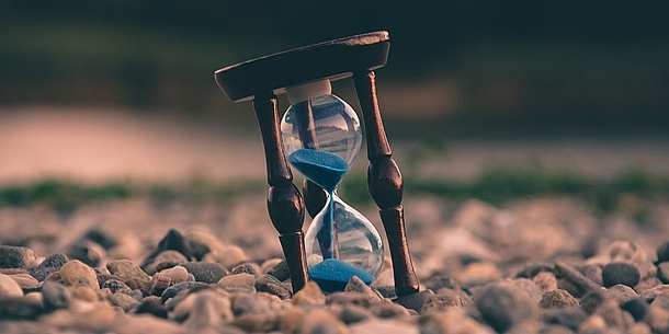 Hourglass. Source: Aron – Unsplash.com