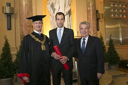 Rector Harald Kainz, Andreas Eitzlmayr and Federal President Heinz Fischer.