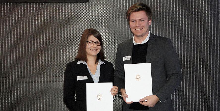Chemikerin Anna Eibel und der Architekt Alexander Wetschko von der TU Graz