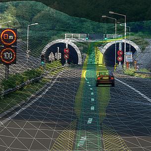 Ein Auto fährt auf einer Autobahn auf eine Tunneleinfahrt zu. Darüber ist eine Simulation gelegt.