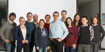 """Das Team des neuen """"Christian-Doppler-(CD-) Labor für Faserquellung und deren Effekt auf die Papiereigenschaften"""""""