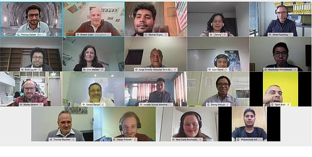 Personen in einer Videokonferenz