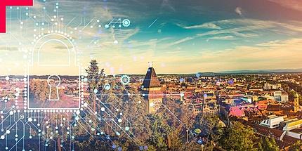 Blick auf Grazer Uhrturm mit überlagertem Digitalisierungsbild