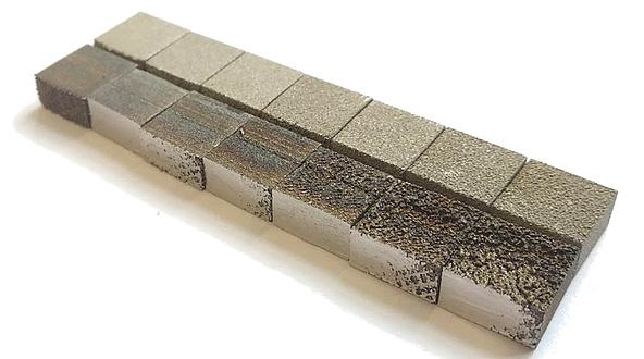Unterschiedliche Druckproben, zweireihig angeordnete Quadrate
