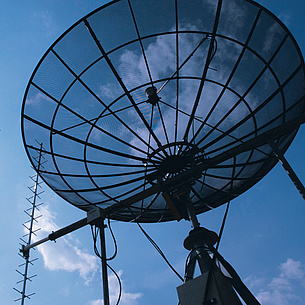 Antenna of a satellite reception system. Photo source: Lunghammer - TU Graz