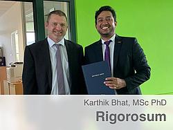 Udo Bachhiesl und Karthik Bhat nach erfolgreichem Rigorosum.