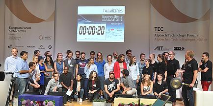 Gruppenfoto der Teilnehmerinnen und Teilnehmer des TU Austria Innovations-Marathons.