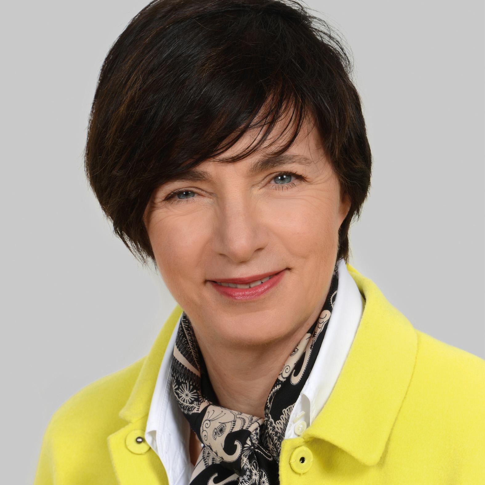 Porträt von Vizerektorin Claudia von der Linden