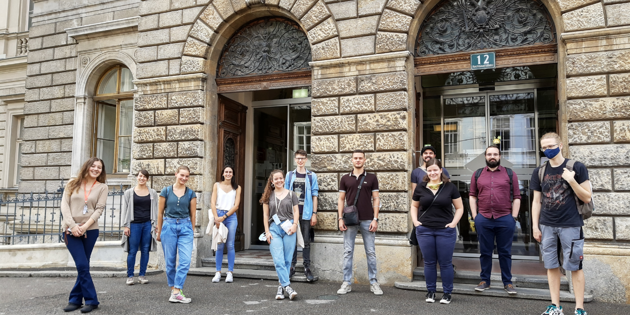 students, Rechbauerstrasse, main building, incomings