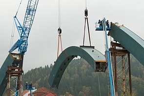 Isb bogenbr cke bruck mur in stahl verbundbauweise for Stahlbau aussteifung